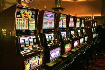 Приходите на topslotkasino.com играть игровые автоматы бесплатно онлайн, и вас ждет безудержный драйв и много адреналина