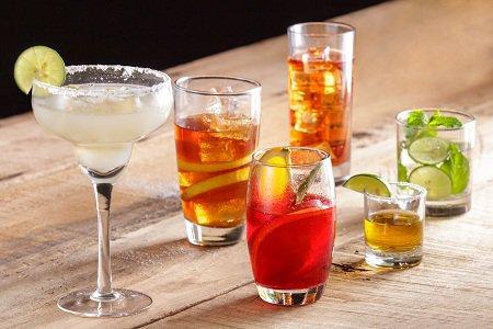 Как подавать блюда и напитки